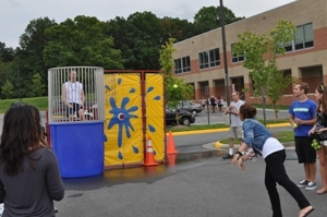 South Lakes kicks off the school year with annual block party