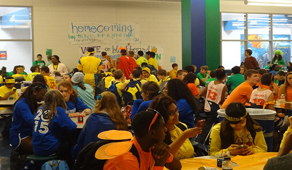 Sophomores victorious during Class Color Day