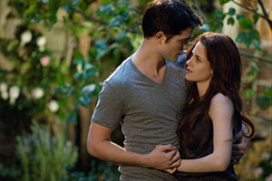 Latest Twilight movie creates mixed reviews