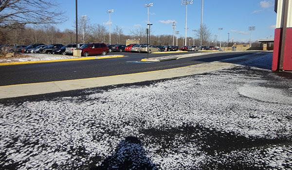 Light snow leads to driving problems