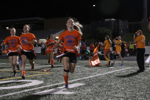 Students take part in powderpuff football event