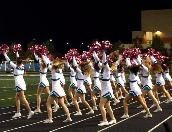 The+cheerleaders+encourage+the+team.