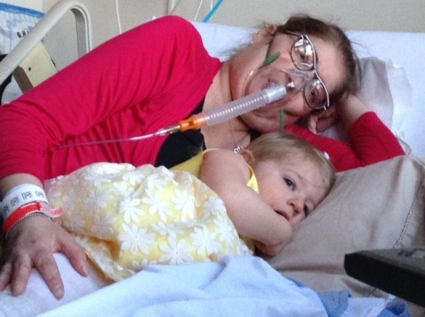 Woman survives for six days without lungs