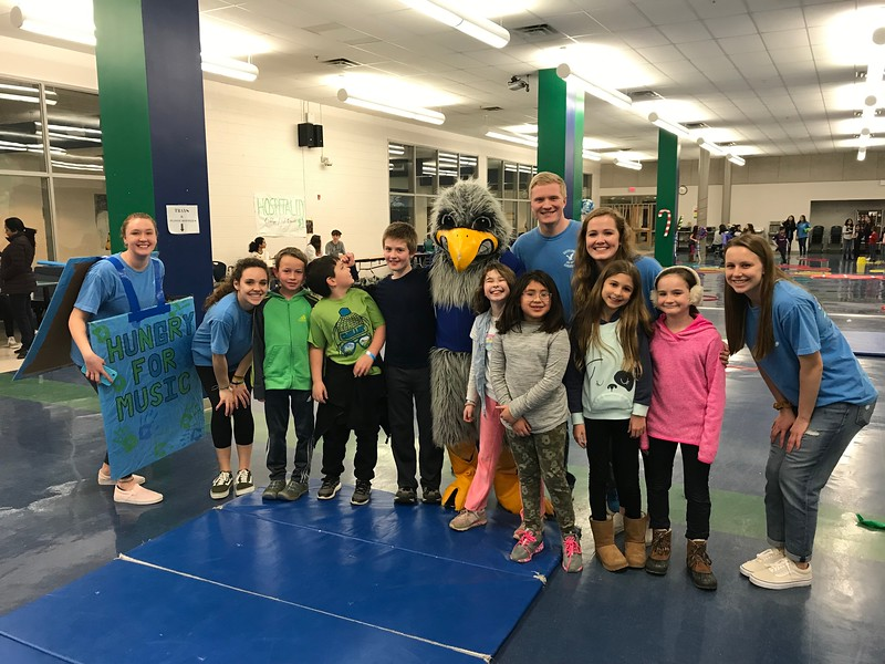 South Lakes hosts their first Family Game Night