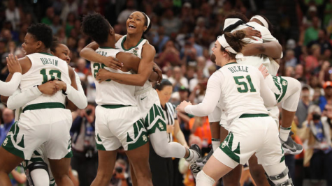 Photo taken from https://www.cbssports.com/college-basketball/news/2019-womens-ncaa-championship-baylor-holds-off-notre-dame-in-thriller-to-win-the-third-title-in-school-history/