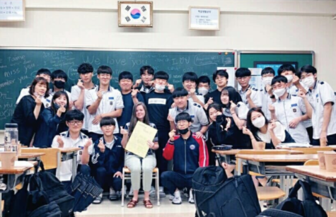 Ms. Whitfield and her students in Korea - Image via Ms. Whitfield